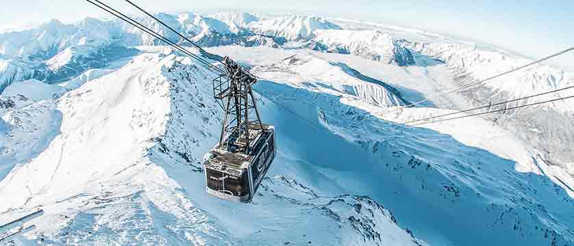 France_alpe_dhuez_cable_car.jpg
